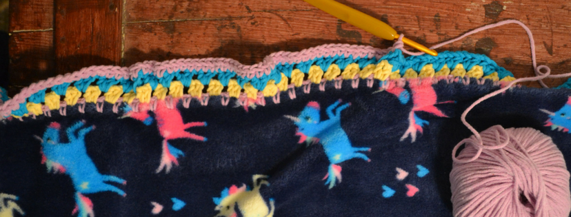 How to Crochet Edges around Fleece Blankets - Free Tutorial