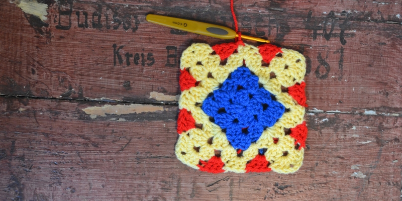 The Wonder Granny is our granny square of the month inspired by the most amazing Wonder Woman. Free crochet pattern. #crochet #wonderwoman #grannysquare